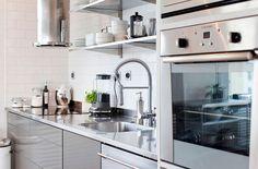 Scandinavian Design: Top Floor With A Garage In Stockholm