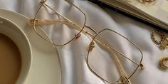 Sterre eyeglasses in Gold Color | Optical | TIJN Eyewear – Shop Prescription Eyeglasses & Blue Light Filter Glasses Online Prescription Glasses Frames, Prescription Lenses, Rose Gold Color, Silver Color, Color Shapes, Sunglasses Online, Reading Glasses, Ultra Violet, Looking For Women