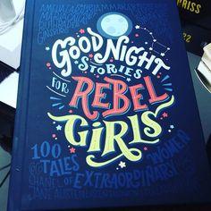 """O livro que toda """"princesa"""" precisa. . 100 contos sobre mulheres extraordinárias. .  . #book #books #livros #livro #livrosinfantis #teenagers #mulheresqueinspiram #mulheresquedecidem #heroinas"""