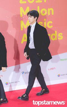 171202 MELON MUSIC AWARDS RED CARPET #SEHUN #EXO