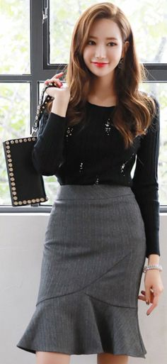 StyleOnme_Pinstripe Mermaid Hem Skirt #feminine #gray #koreanfashion #kstyle #kfashion #seoul #dailylook #autumntrend