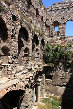medievallove: Porphyrogenitus Palace ruins, Istanbul. 12th c. by zug55 on Flickr.