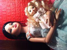 Ellowyne and Amelia Thimble