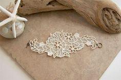 Lily lace bracelet ivory