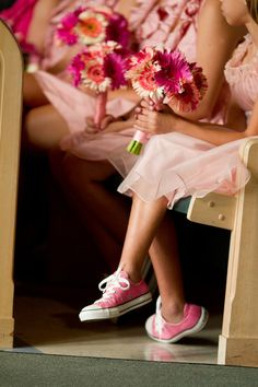 I hate pink, but I love converse, and I love this (: