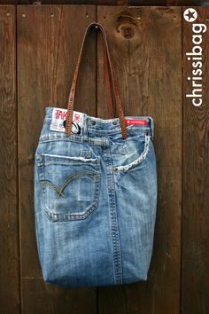 chrissibag: Jeanstasche - eine Einkaufstasche Diy Jeans, Diy Bag Making, Denim Bag, Beautiful Bags, Refashion, Purses And Bags, Sewing Projects, Farmer, Outfits