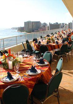 Hawaii island wedding venue: Aston Waikiki Beach Hotel
