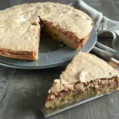 Makronkage (tvebakkekage) - skøn opskrift med hindbær - madenimitliv.dk Danish Dessert, Danish Food, Sweets Cake, Cupcake Cakes, Sweet Recipes, Cake Recipes, Cocktail Desserts, Cakes And More, Let Them Eat Cake