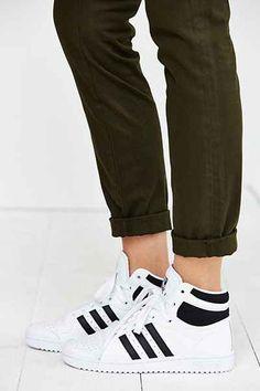 separation shoes b3cbb 517fe adidas Top Ten Hi Sneaker - Urban Outfitters Marques De Baskets, Baskets  Adidas, Chaussures