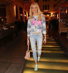 Σάσα Σταμάτη: Κομψή με ανοιξιάτικο outfit! - JoyTV