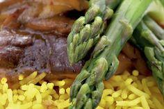 Rice with mushrooms and asparagus Vegetable Recipes, Asparagus, Stuffed Mushrooms, Rice, Vegetables, Food, Stuff Mushrooms, Studs, Essen