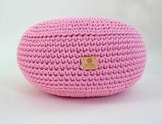 Ručně háčkovaný puf růžový 45 cm Nordic Living, Beanie, Hats, Inspiration, Fashion, Biblical Inspiration, Moda, Hat, La Mode
