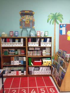 Centre de lecture et les corriger des exercices autonomes classe double. Bookcase, Shelves, Home Decor, Reading Centers, Exercises, Shelving, Decoration Home, Room Decor, Book Shelves