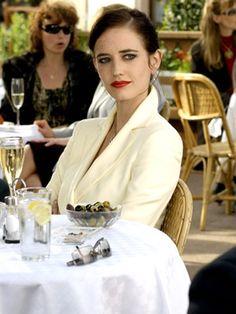 Eva Green ✾ as Vesper Lynd in James Bond 007 - Casino Royale 2006 Eva Green James Bond, James Bond Girls, Daniel Craig, Craig James, Film Casino, Nathalie Portman, Actrices Sexy, Casino Outfit, Glamour