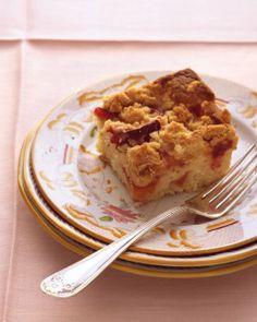 via BKLYN contessa :: martha stewart :: plum-nectarine buckle recipe