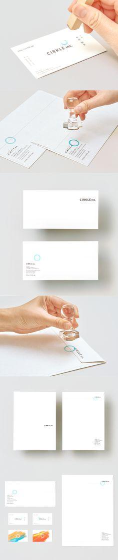 株式会社CIRKLEのロゴ、名刺、封筒、コーポレートサイトなどブランディングツールを制作しました。 好きな位置にスタンプを押すことで名刺が完成します。