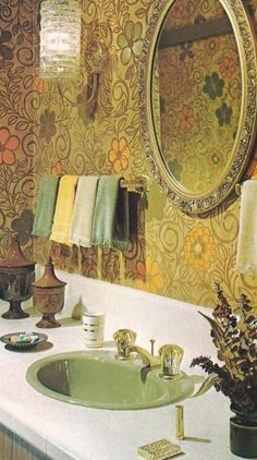 Late 60s early 70s 'gaud'. I think every home had that faucet back then. Vanity with back splash too.