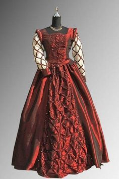 dresses from the 1400's | Renaissance | Fashion Through the Ages -- 1400's-1600's (and earlier)
