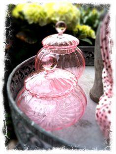 rosa farbene Glasdöschen auf www.dekomagie.de