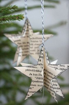 22 idées de bricolage exceptionnelles à faire avec de vieux livres 22 außergewöhnliche DIY-Ideen zu alten Büchern Noel Christmas, Diy Christmas Ornaments, Homemade Christmas, Christmas Projects, Winter Christmas, Holiday Crafts, Paper Christmas Decorations, Victorian Christmas, Christmas Ideas