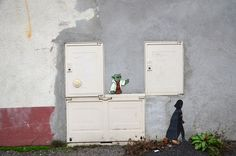 100+ Clever Street Art Works in New Book by Oak Oak - My Modern Met