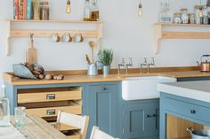 Industrial Shaker Showroom - Sustainable Kitchens
