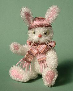 Mini-sculptures by Uliana Volkhovskaya Seed Bead Art, Seed Bead Jewelry, Beaded Jewelry, Beaded Crafts, Crochet Crafts, Doll Painting, Custom Jewelry Design, Beaded Animals, Beading Patterns