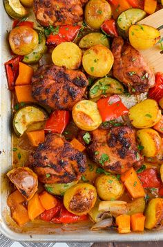 Slimming Eats Chicken, Potato, Vegetable Tray Bake - gluten free, dairy free, Slimming World and Weight Watchers friendly Chicken And Vegetable Bake, Potato Vegetable, Chicken And Vegetables, Vegetable Casserole, Fresh Vegetables, Vegetable Recipes, Slimming World Recipes Syn Free, Slimming Eats, Slimming Word