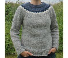 Pullover & Pullunder - Strickpullover in Blau und Grau aus Islandwolle…