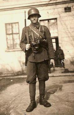 Magyar infantryman(1942)