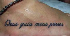 Tatuagem frases no pe