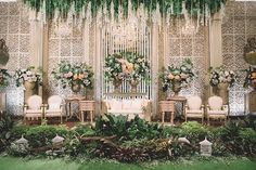 Pernikahan Adat Sunda a la Karina Salim dan Aldy Primanda - Wedding Backdrop Design, Wedding Stage Design, Wedding Hall Decorations, Backdrop Decorations, Arch Decoration, Marriage Decoration, Decor Wedding, Party Wedding, Wedding Themes