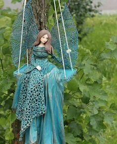 Fairy Crafts, Angel Crafts, Paper Mache Sculpture, Sculptures, Pottery Angels, Art Visage, Elves And Fairies, Cement Crafts, Hand Embroidery Patterns