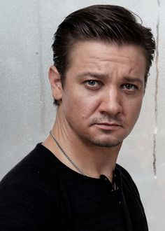 Jeremy Renner...one of my new favorite pics!
