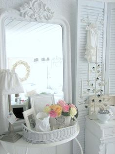 shabby white decor | Visit weisserwohnzauber.blogspot.it