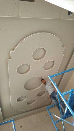 Plaster Ceiling Design, Interior Ceiling Design, House Ceiling Design, Ceiling Design Living Room, Ceiling Light Design, Ceiling Decor, Beautiful Ceiling Designs, Simple False Ceiling Design, Fall Ceiling Designs Bedroom
