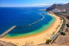 La spiaggia di Las Teresitas è indubbiamente una delle spiagge più belle di Tenerife. Scopri con noi la migliore spiaggia di sabbia dorata dell'isola.