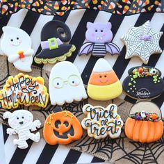 Last day to preorder Halloween cookies is TODAY! I couldn't narrow down my Halloween options (per usual Last day to preorder Halloween cookies is TODAY! I couldn't narrow down my Halloween options (per usual Fall Cookies, Iced Cookies, Royal Icing Cookies, Cupcake Cookies, Christmas Cookies, Summer Cookies, Cookie Favors, Flower Cookies, Heart Cookies