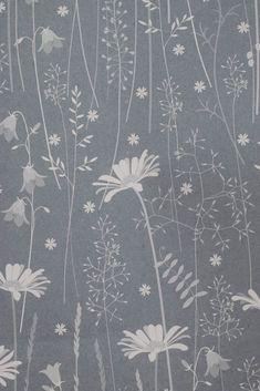 Hannah Nunn: Colour testing Daisy Meadow