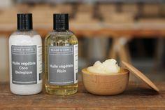 De l'huile végétale de coco, quelques gouttes d'huile végétale de ricin pour compléter l'action. Enduisez largement vos cheveux abîmés, desséchés. Cette potion se chargera de redonner brillance et vitalité à votre crinière. 100% naturel   #sergedestel #huile #coco #ricin #oil #coconut #castor #skincare #haircare #soin #cheveux #peau #sweet #cosmetiques #cosmetics #beauty #brillance #vitality #vegetales #nature #naturel
