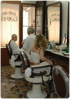 Feeling a bit nervous watching the barber cutting the lady in the next chair's hair. Shaved Hair Women, Half Shaved Hair, Barber Pictures, Punishment Haircut, Bald Head Women, Forced Haircut, Waist Length Hair, Shave Her Head, Barbers Cut