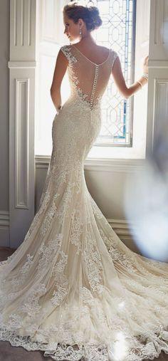 Encaje y ensueño en los vestidos de novia estilo tattoo lace y espalda ilusión de Sophia Tolli