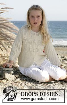 Havsbris / DROPS Children 15-10 - Drops Jacket inAlpaca with ¾-length sleeves, wave pattern and crochet buttons