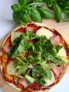 Ekspresowa pizza na tortilach