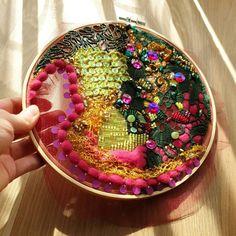 birb.studio handmade embroidery #haftręczny #tambourembroidery #handembroidery #tamborek #emvroideryhoop #giftidea #prezent #dodomu #wystrójwnętrz #birbstudio #textileartist #sequins #textilecollage #rękodzieło #ręcznierobione #handmade #etsygift #slowlife Sister Gifts, Gifts For Mom, Embroidery Hoop Art, Romantic Gifts, Creative Gifts, Valentine Day Gifts, Birthday Gifts, Invitations, Group