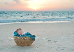 32 Ideas Baby Photography Beach Newborn Photos For 2019 Baby Beach Pictures, Beach Family Photos, Baby Boy Photos, Newborn Pictures, Beach Photos, Newborn Beach Photography, Toddler Photography, Newborn Shoot, How To Pose
