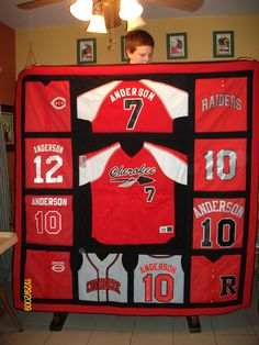 Quilt from old baseball jerseys.AWESOME layout for a jersey quilt! So gonna have to make one of these for all 3 of my kiddos! Baseball Quilt, Baseball Mom, Baseball Jerseys, Youth Football, Baseball Tickets, Baseball Uniforms, Softball Shirts, Baseball Stuff, Softball Mom