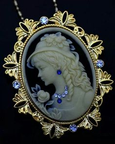 Antique Inspired Lovely Cameo/ -- What a lovely Cameo. Cameo Jewelry, Cameo Necklace, Fine Jewelry, Jewelry Design, Pendant Necklace, Victorian Jewelry, Antique Jewelry, Vintage Jewelry, Lady Like