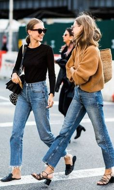 Street style from New York Fashion Week - Work Outfits Street Style Trends, Street Style Outfits, Street Style 2018, Nyfw Street Style, Looks Street Style, Mode Outfits, Looks Style, Casual Outfits, Street Styles