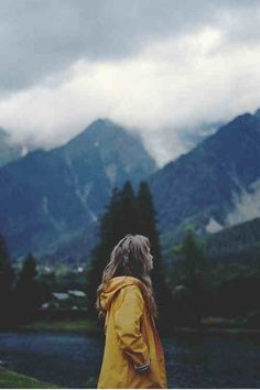 Image via We Heart It https://weheartit.com/entry/144523012/via/14865352 #art #autumn #girl #hipster #indie #landscape #mountains #pale #photography